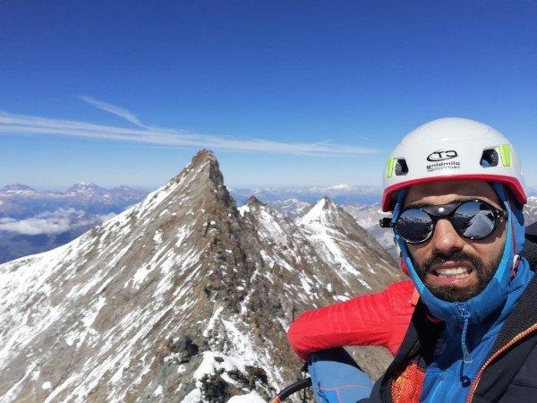 casco da alpinismo