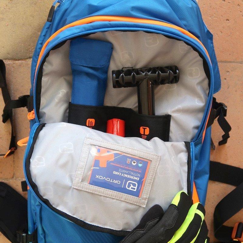 La tasca per i materiali di soccorso da valanga