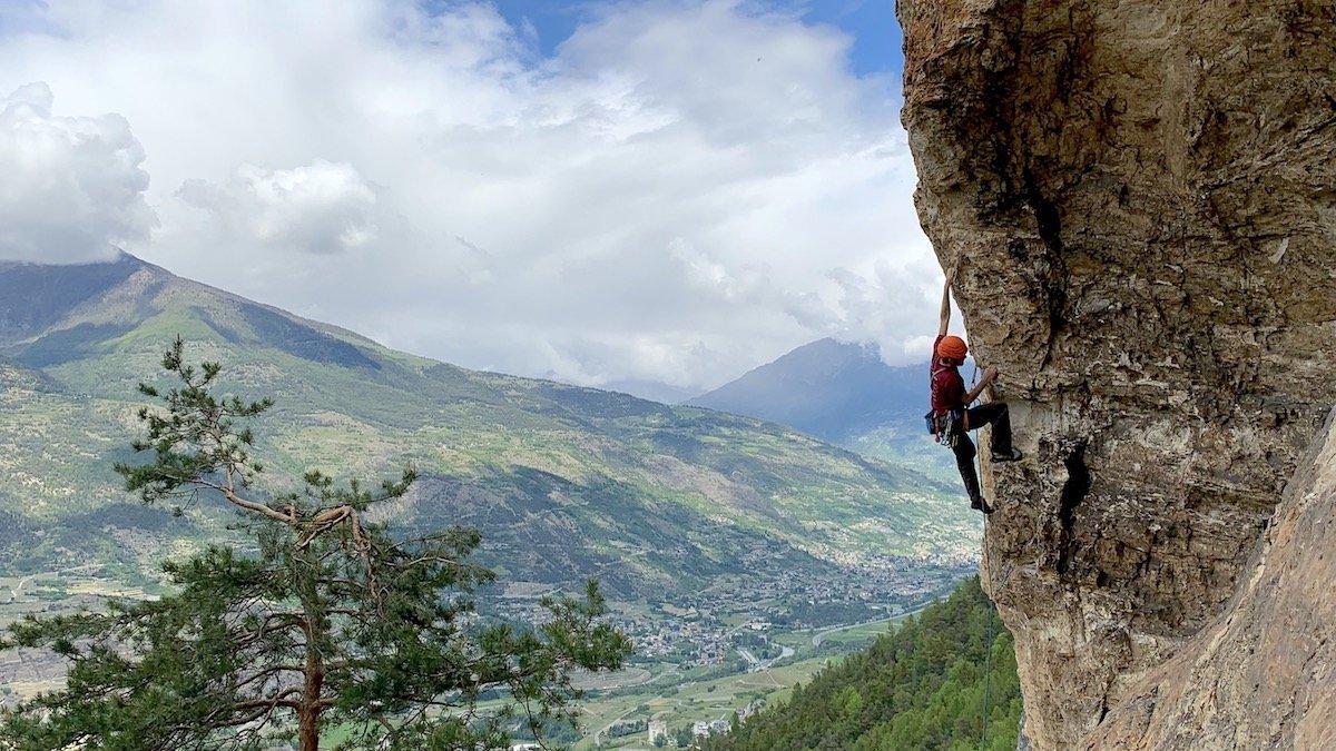 guida all'arrampicata sportiva (attrezzatura)