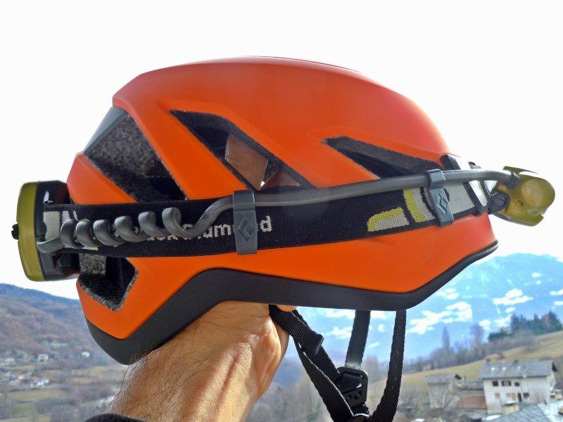 il casco con lampada frontale