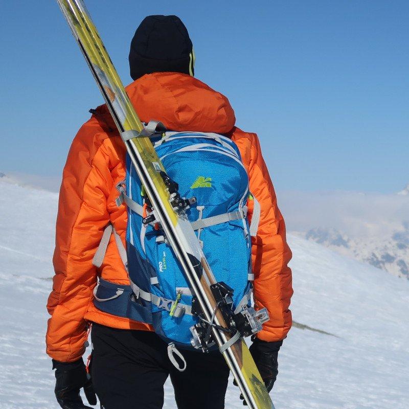 porta sci dello zaino da scialpinismo