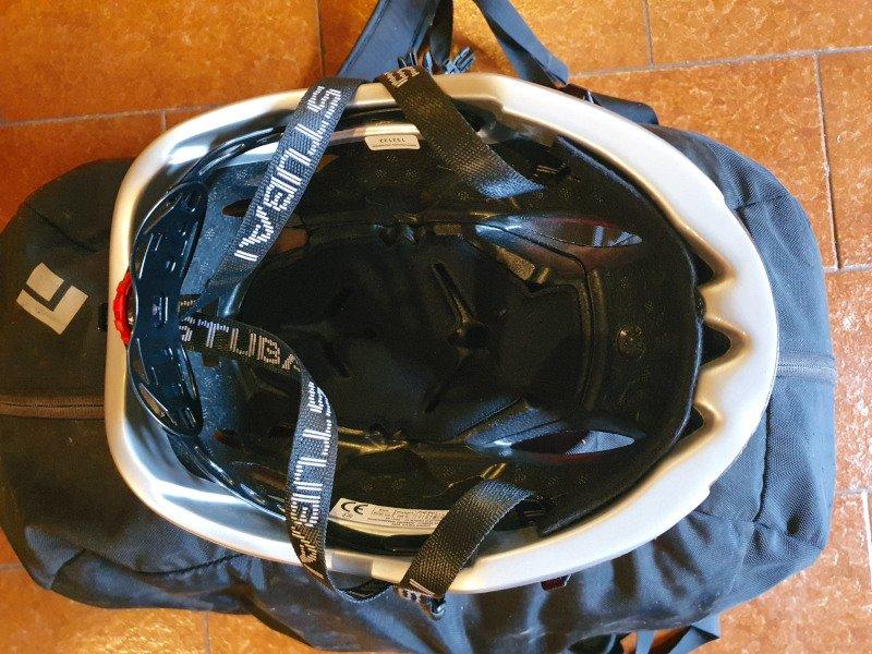 l'interno del casco stubai nimbus