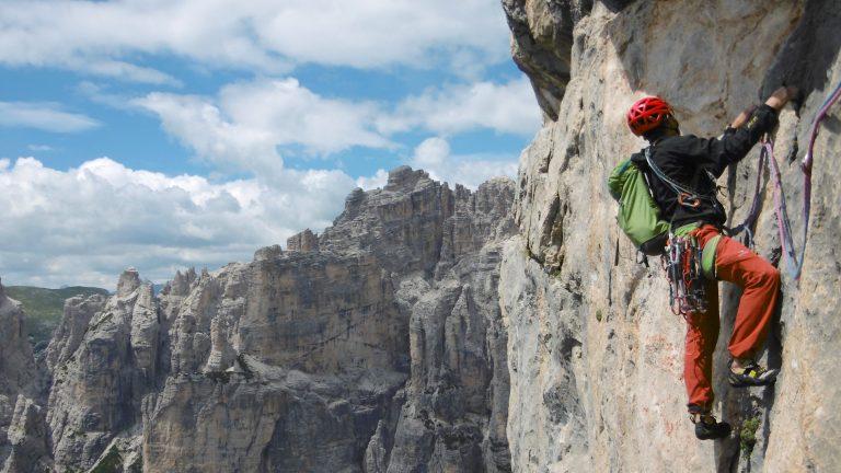 attrezzatura per alpinismo su roccia