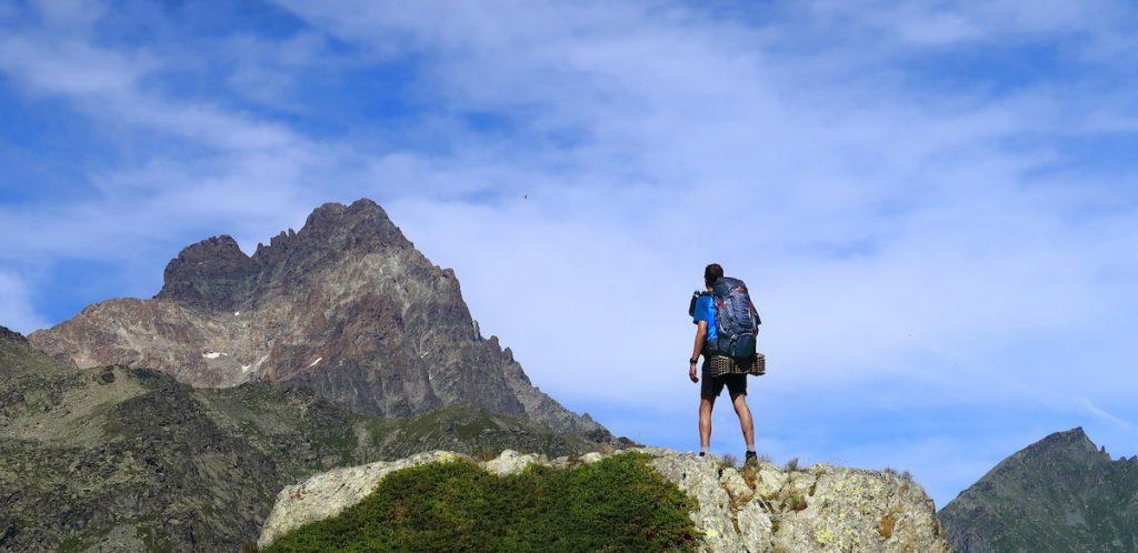 come scegliere gli scarponi da trekking