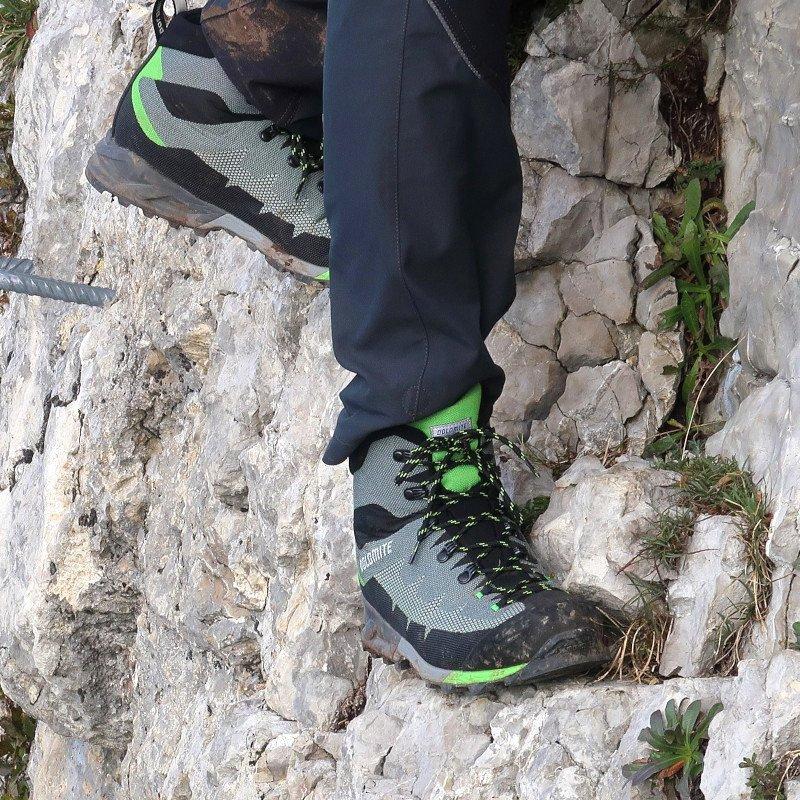 suola semi-rigida scarponi da trekking