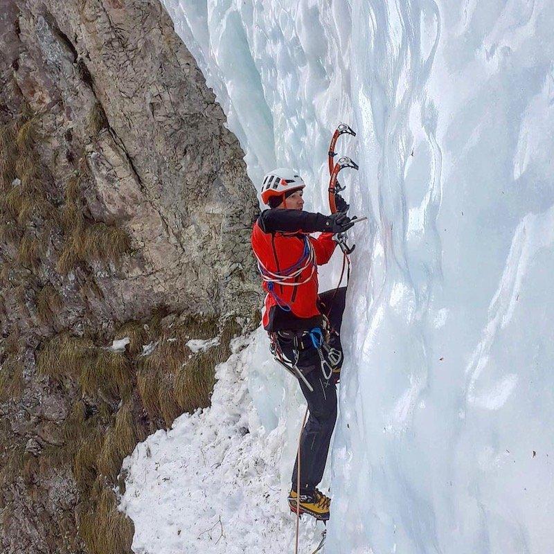 come scegliere le piccozze per cascate di ghiaccio