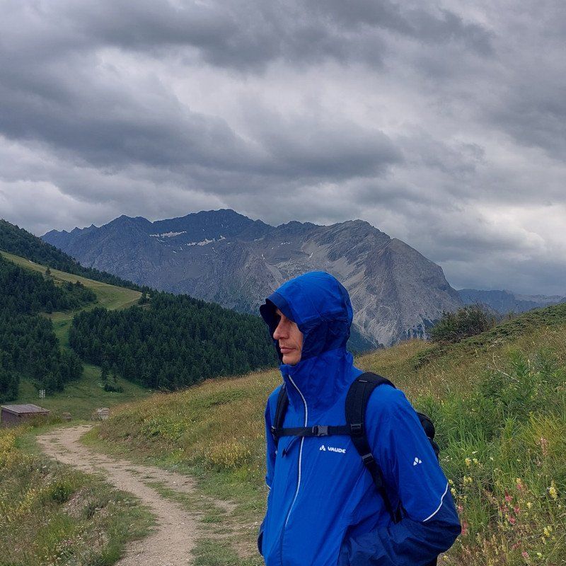 recensione giacca sotto la pioggia