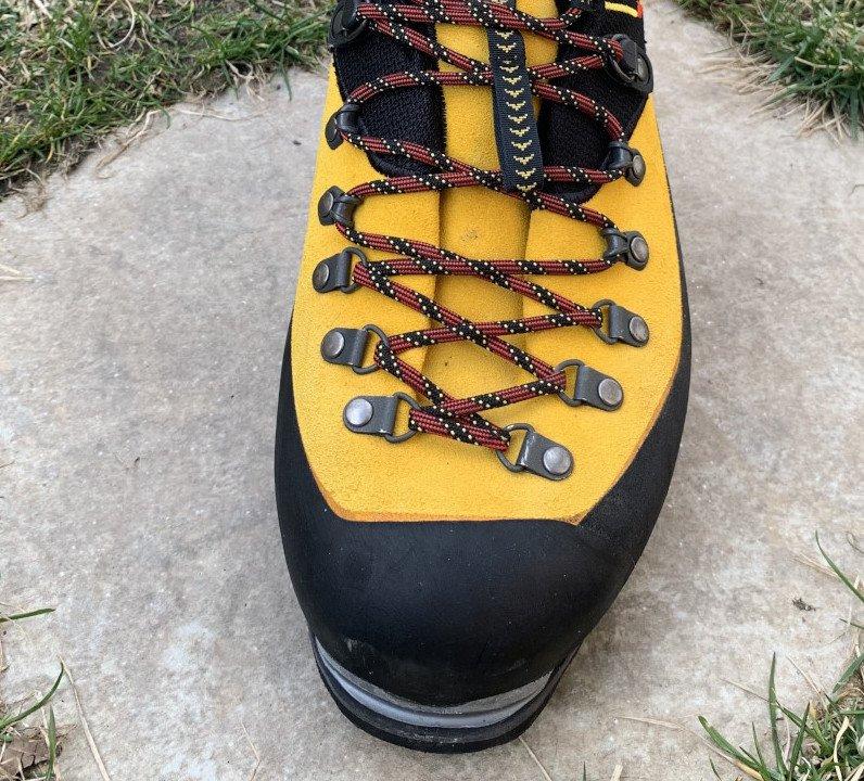 come comprare scarponi da alpinismo