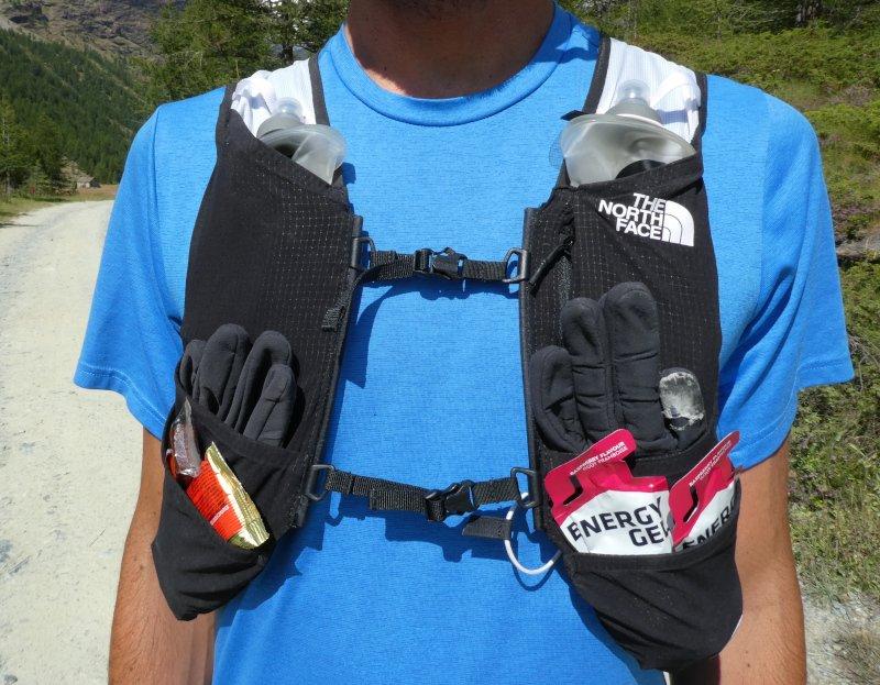 le tasche sugli spallacci dello zaino da trail running