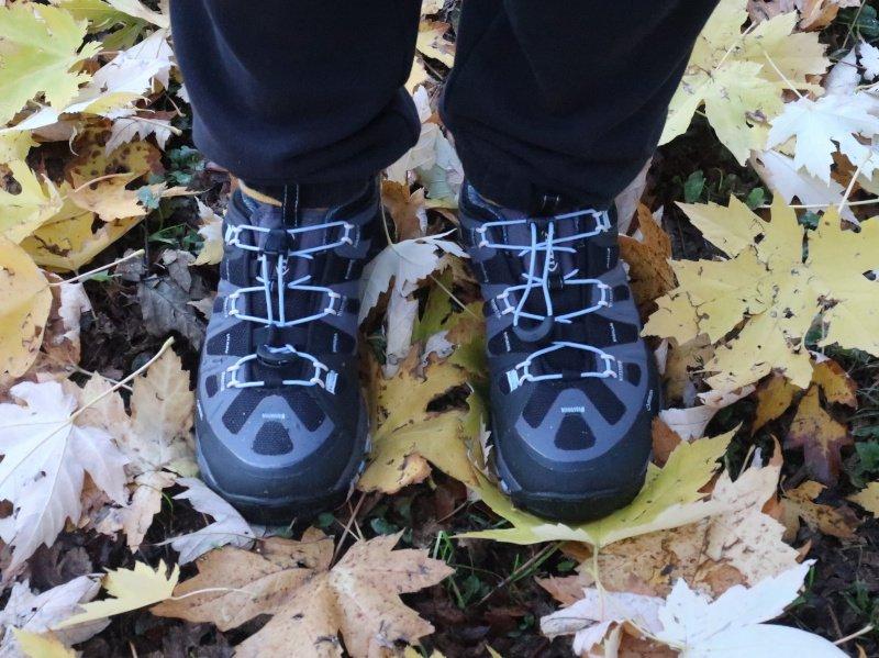 scarpe da hiking per autunno e primavera
